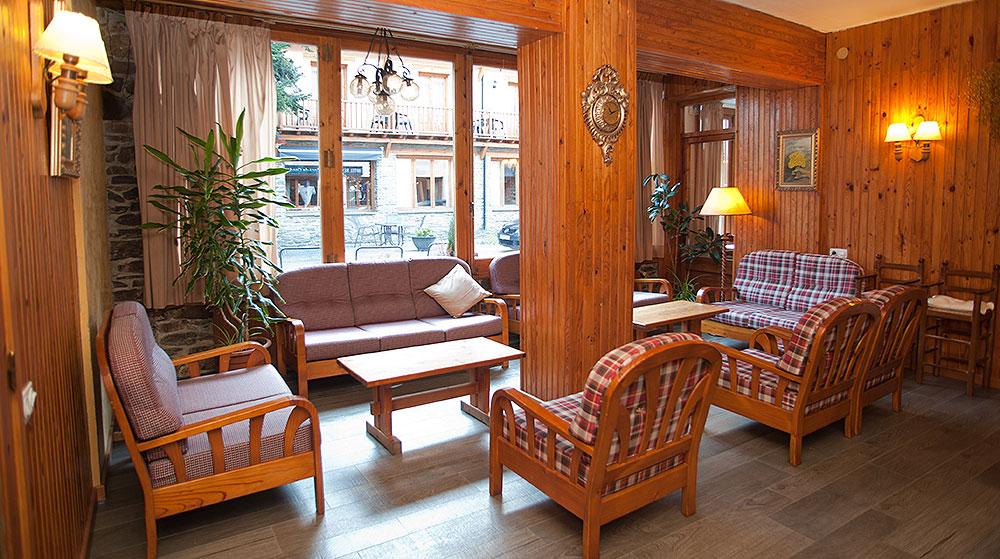 Sala Hotel Llacs de Cardós Tavascan